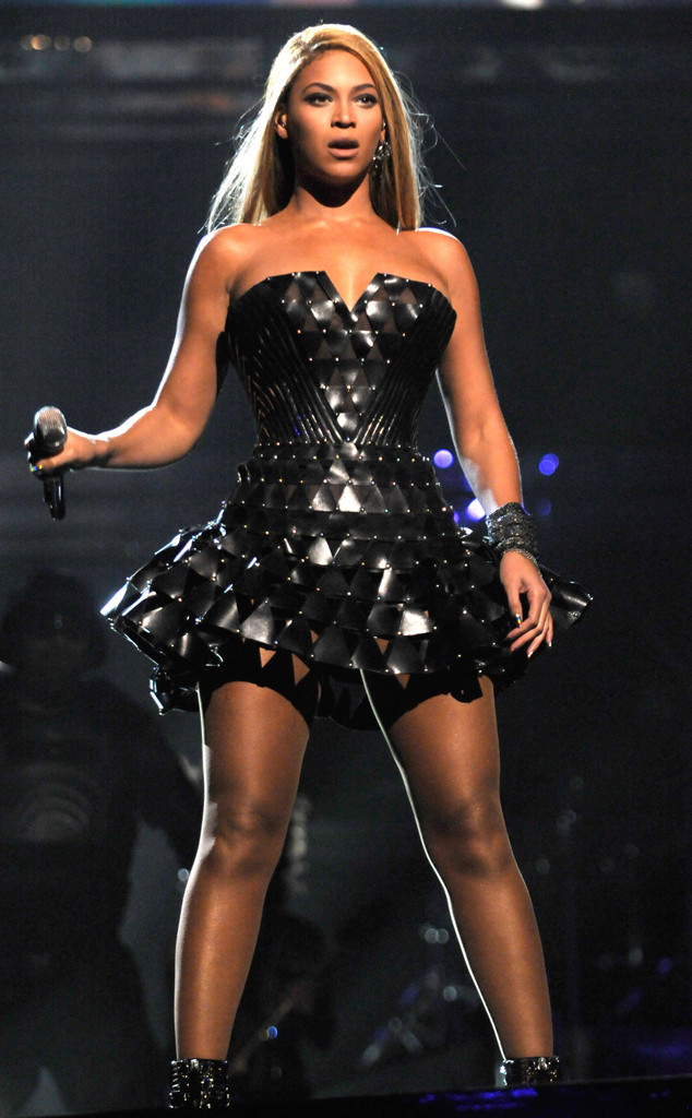 Beyonce 2010 Atelier Versace Latest Wrinkle
