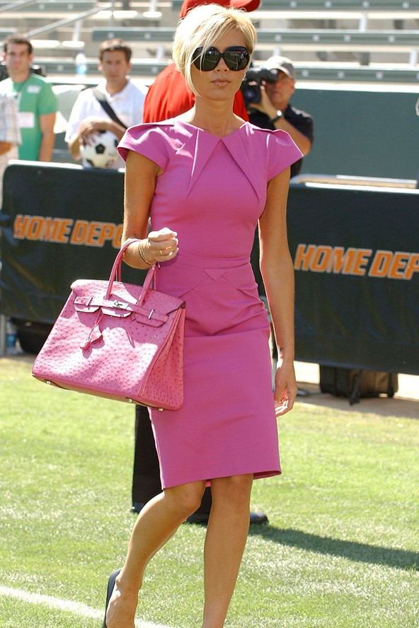 2007 Victoria Wore A Pink Hermés Bag With This Co Ordinated Roland Mouret Moon Dress For David S Official Welcome To The La Galaxy Team