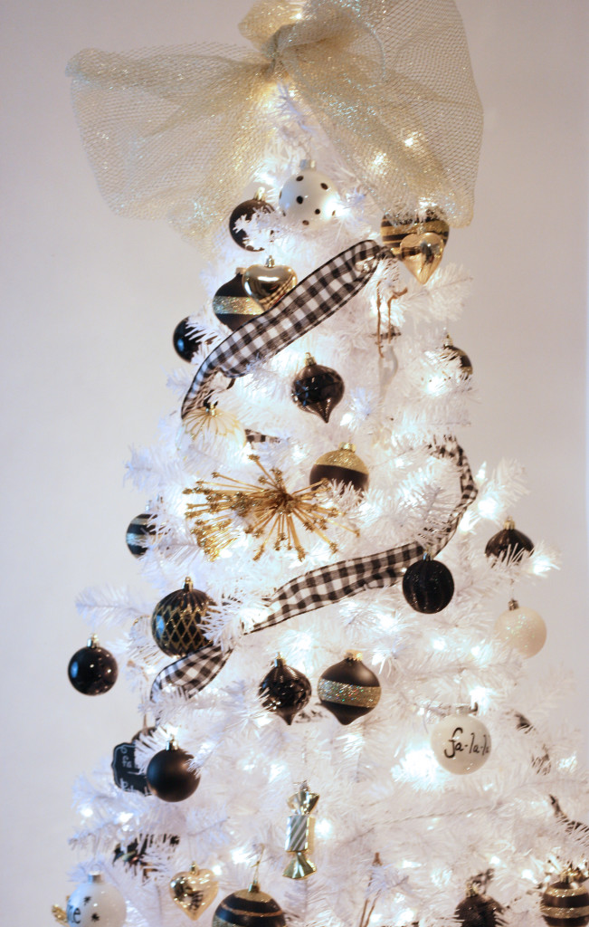 black white and gold christmas tree 16